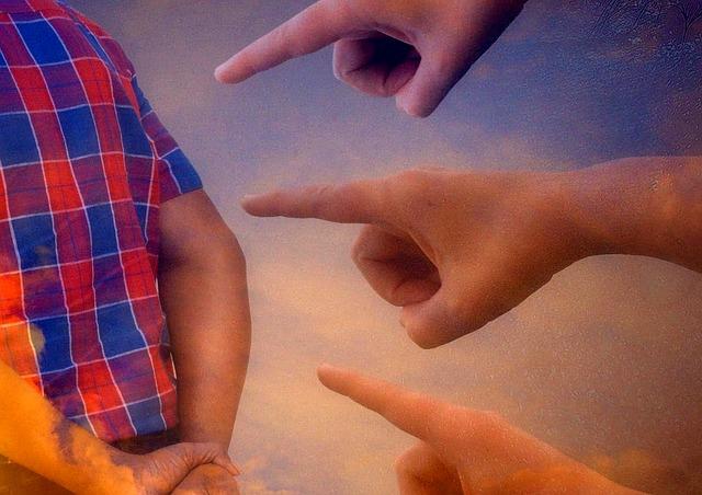 ukazování prstem